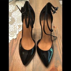 SoSo Black high heels-BRAND NEW!